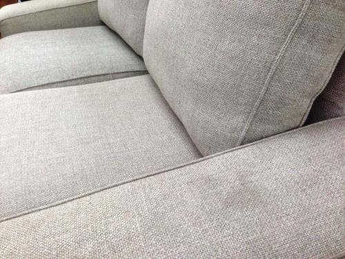 ソファーのIKEA