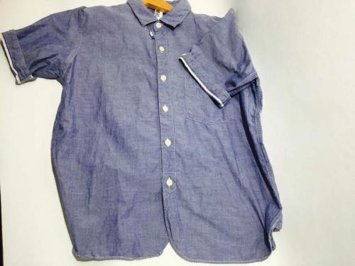 シャツの半袖