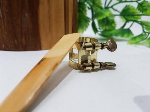 サックスの川越店楽器
