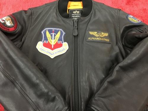ジャケットのALPHA