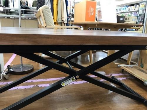 テーブルの川越店家具