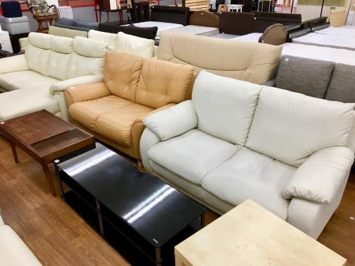 カップボードのソファー