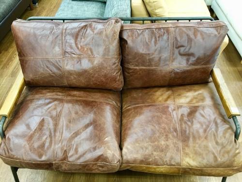 ソファーのインダストリアル