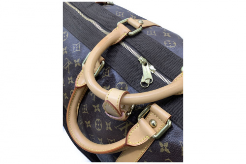 ルイヴィトンの旅行鞄