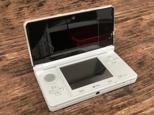 NINTENDO 3DSのゲーム機