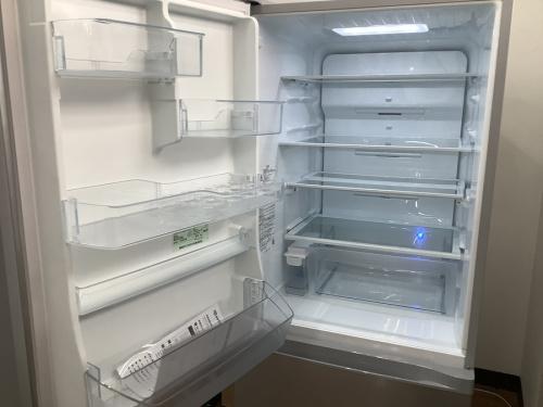 5ドア冷蔵庫(VEGETA)のTOSHIBA