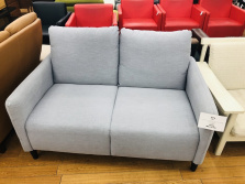 IKEA(イケア)の2人掛けソファーのご紹介です!!