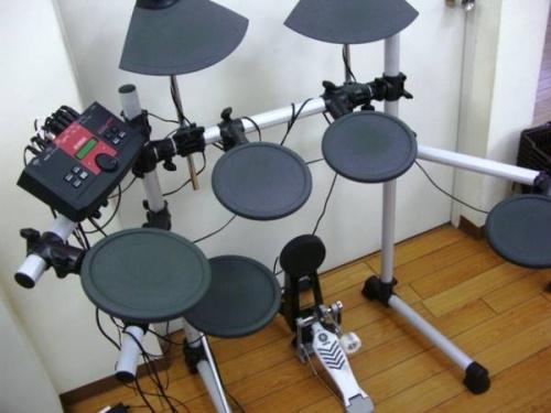 電子ドラムのYAMAHA