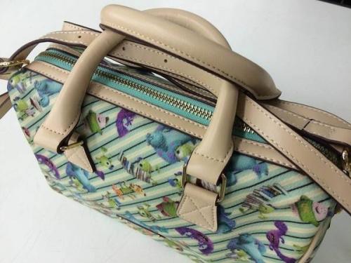 バッグのサマンサタバサ