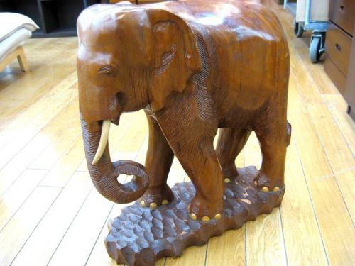 置物の木彫り