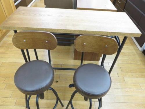 テーブルの鶴ヶ島
