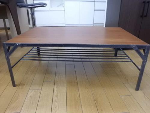 テーブルのAVボード