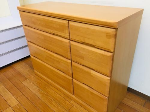 家具の4段チェスト
