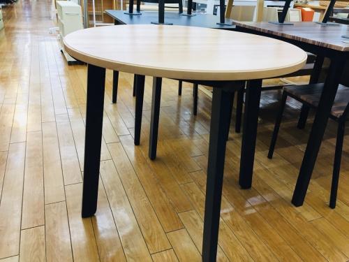 IKEAのカフェテーブル