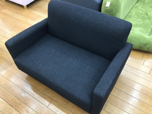 家具のコンパクトソファ