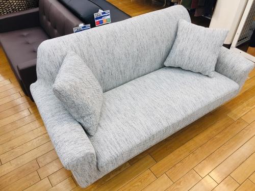 UNICOの2人掛けソファー