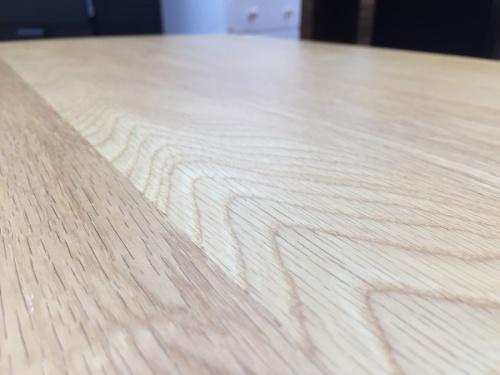 ローテーブルの大塚家具(IDC)