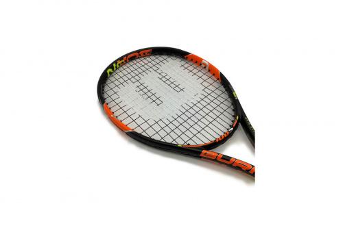 テニスの硬式ラケット