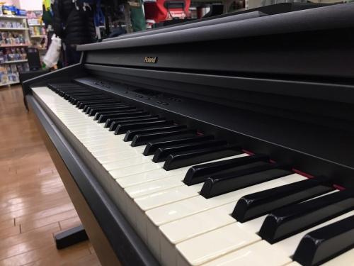 ROLANDの電子ピアノ