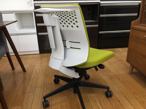 椅子のオフィスチェア