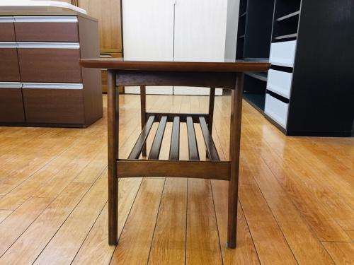 リビングテーブルの川越 家具