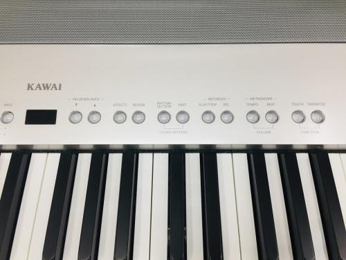 電子ピアノのES6