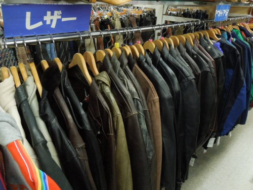 LUVA TRAMのジャケット