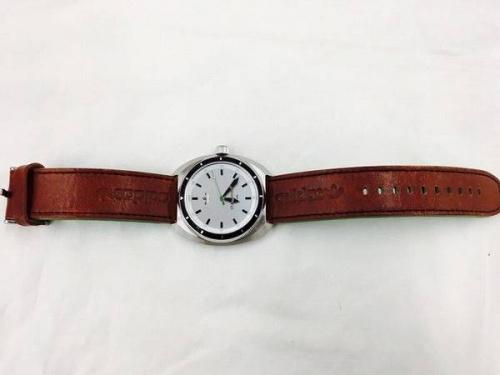 腕時計のアディダス(adidas)