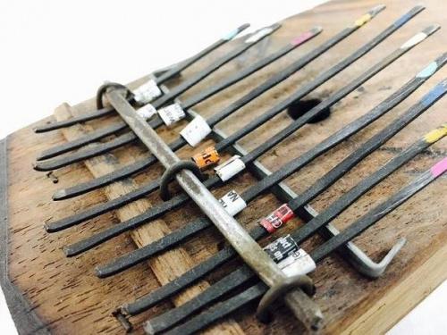民族楽器のカリンバ