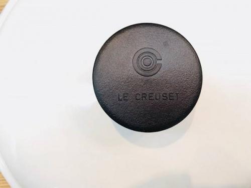 LE CREUSETのエンゾ・マリ