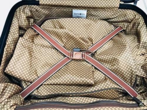 スーツケースのキャリーバッグ