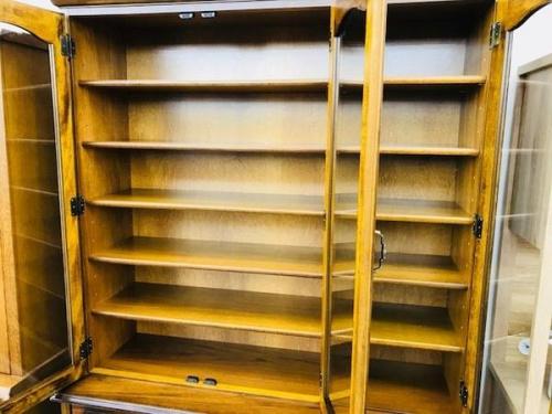 カップボード・食器棚のkarimoku