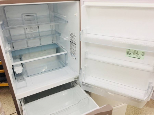 6ドアの小型冷蔵庫