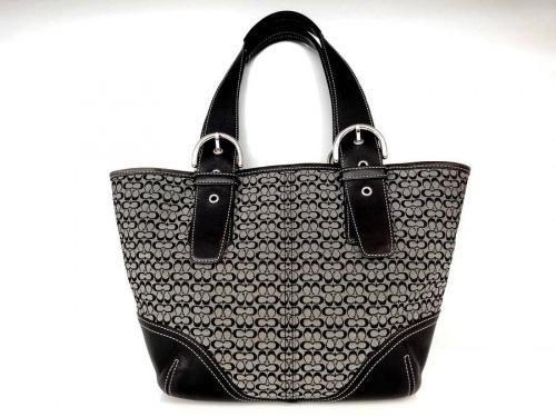 ブランドのバッグ 財布