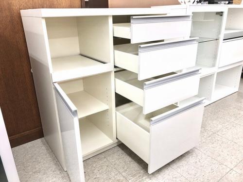 カップボード・食器棚の家具
