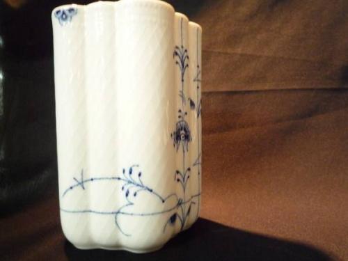 陶磁器のフラワーベース