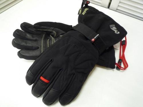 登山シューズの手袋