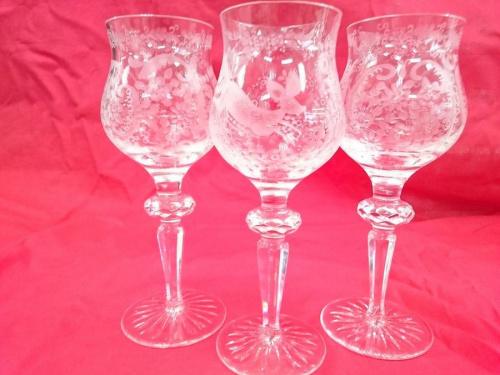 ワイングラスのクリスタル