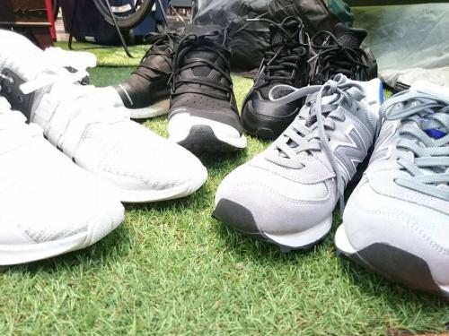 アディダス(adidas)のナイキ(NIKE)