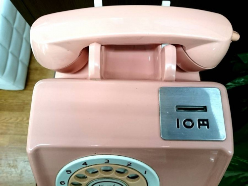 アンティークの電話機