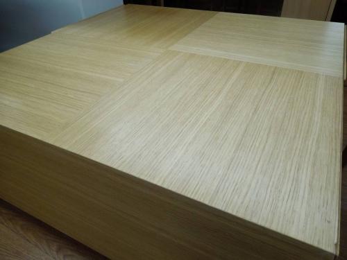 特選家具のローテーブル