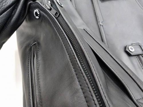レザージャケットのシングルライダースジャケット