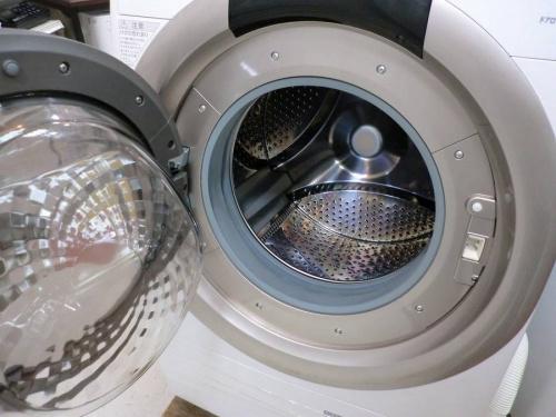 ドラム式洗濯機の洗濯機