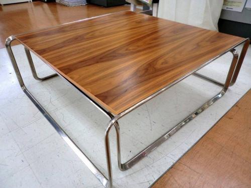 リビングテーブルの日野橋家具