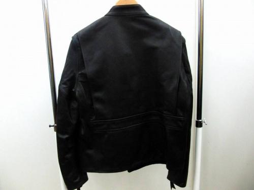 アウターのレザージャケット