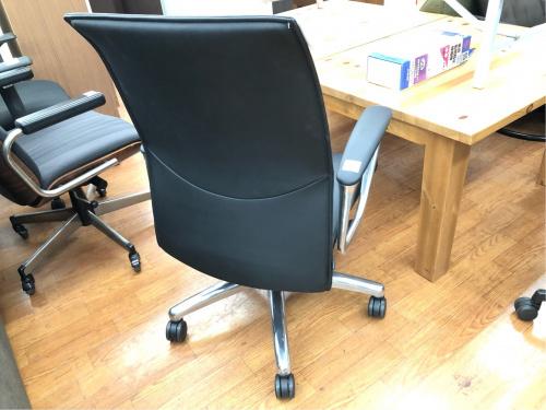 オカムラ オフィスチェアのCE58SX-P794