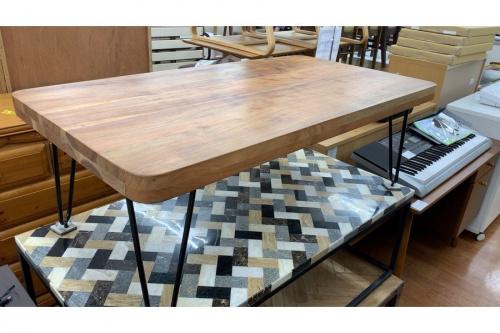 テーブルのセンターテーブル