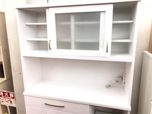 キッチン収納の食器棚