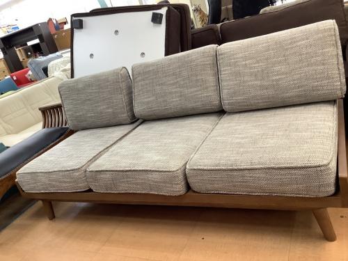 三人掛けソファーの立川中古家具