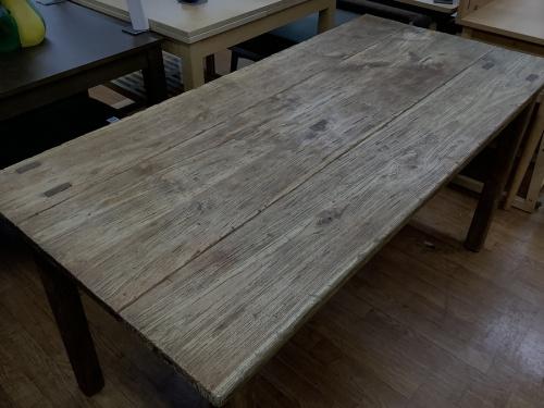 テーブルのold maison